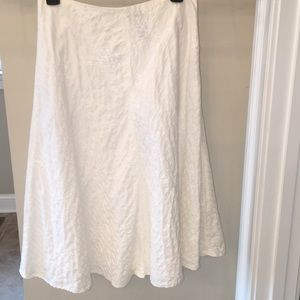 Vintage white embroidered A-line skirt - EUC